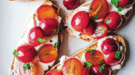 grape-ricotta-crostini